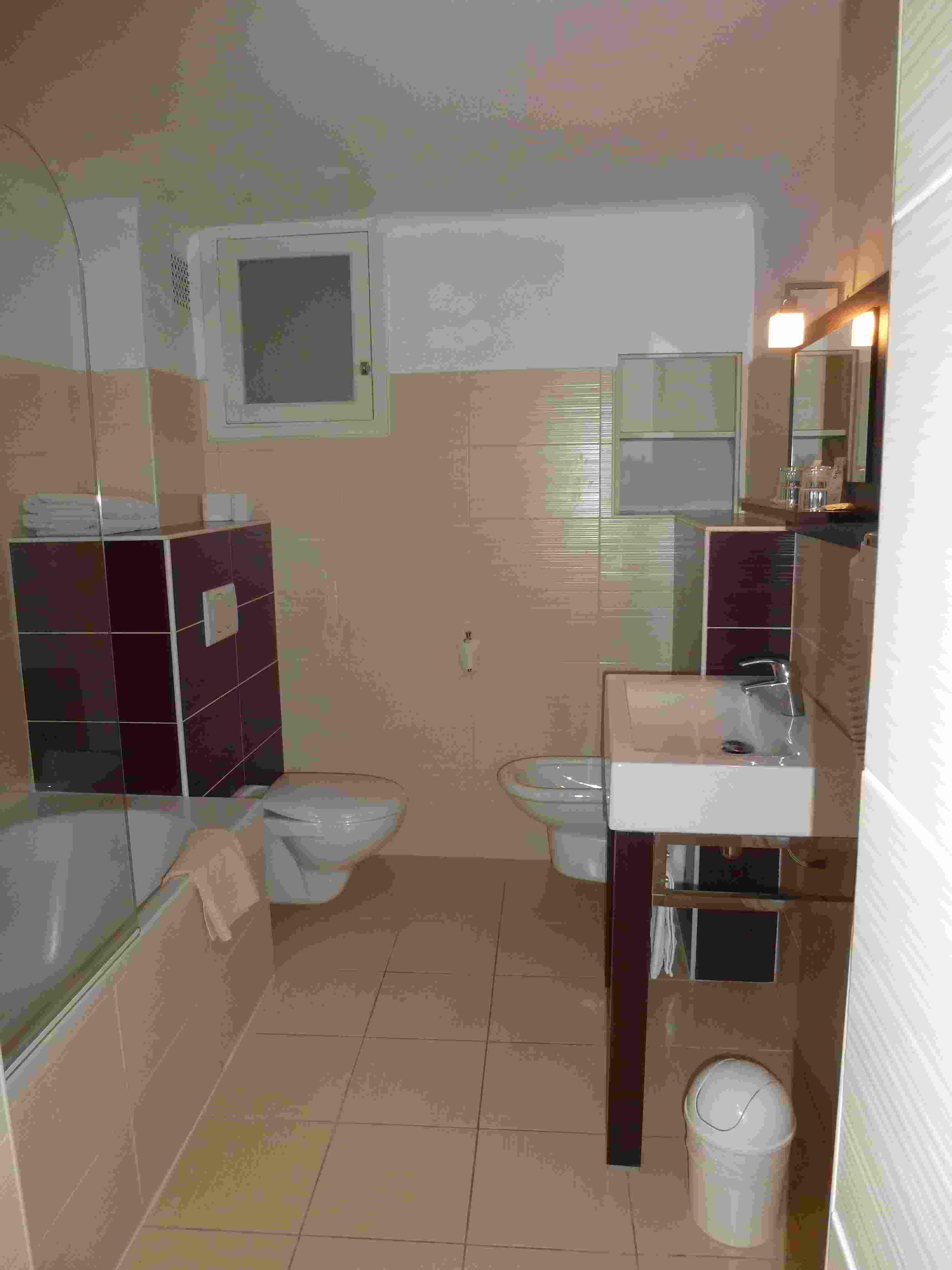 Superficie Minimum Salle De Bain hotel de verdun chambre dates panier coordonnées
